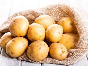 cach lam khoai tay chien gion tan bang noi chien khong dau delonghi 2 300x225 - Cách làm khoai tây chiên giòn tan bằng nồi chiên không dầu Delonghi