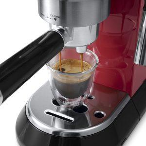 may pha ca phe espresso delonghi ec680r 3 300x300 - Máy pha cà phê Espresso Delonghi EC680.R