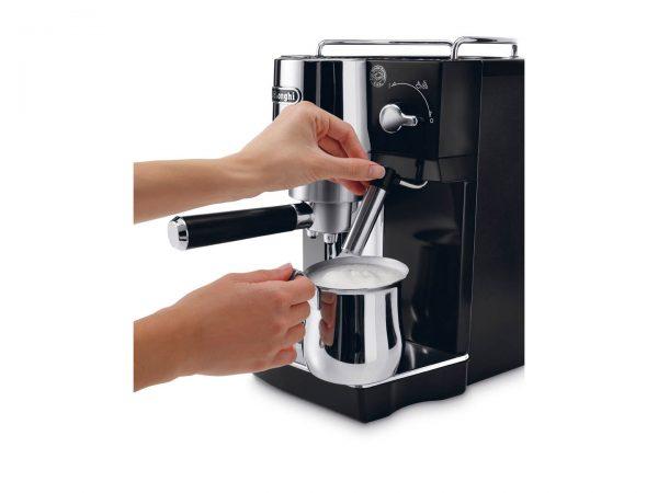 may pha ca phe espresso delonghi ec820b 2 600x450 - Máy pha cà phê Espresso Delonghi EC820.B